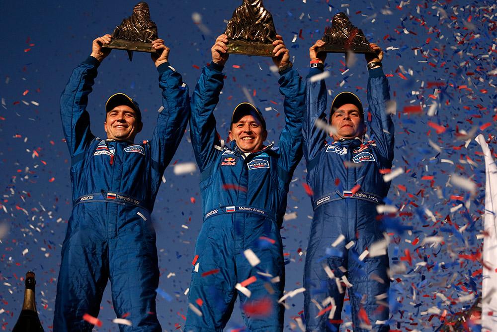 Tim Rusia Menang di Reli Dakar 2014