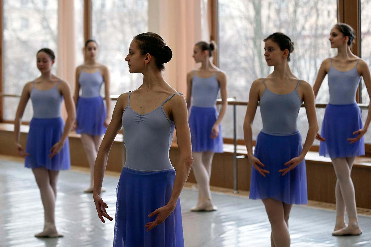 ボリショイバレエアカデミーで夢を追う