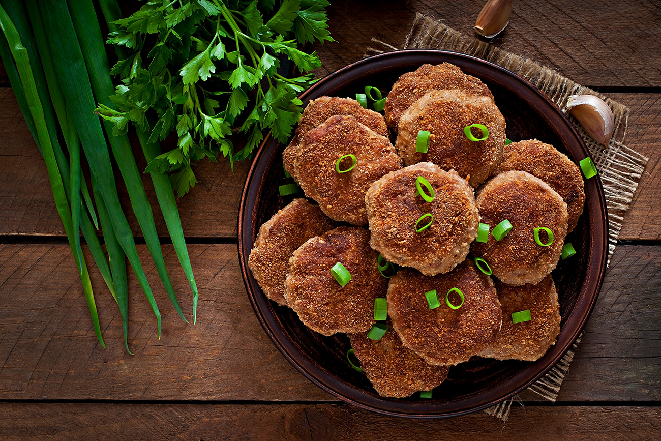 The adventure of wild cutlets in Russia: Hunters' recipes