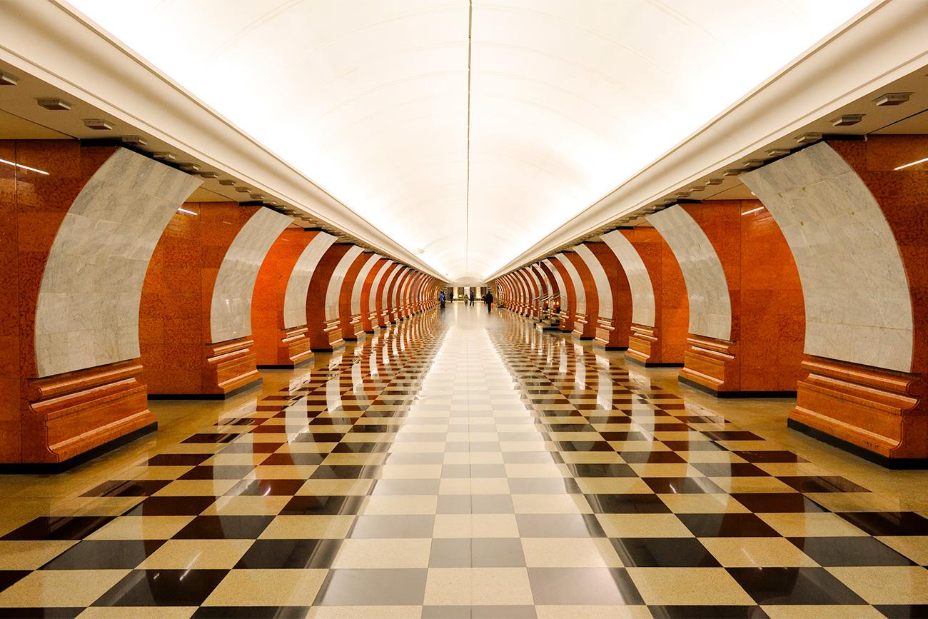 Notranjost te postaje je oda velikim zmagam ruskega naroda, še posebej zmagam v domovinski vojni 1812 in v drugi svetovni vojni. Vir: Legion Media