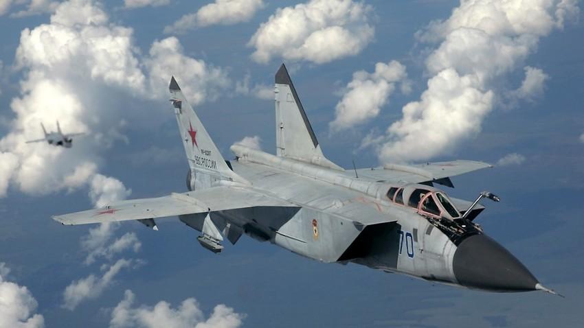 MiG-31.
