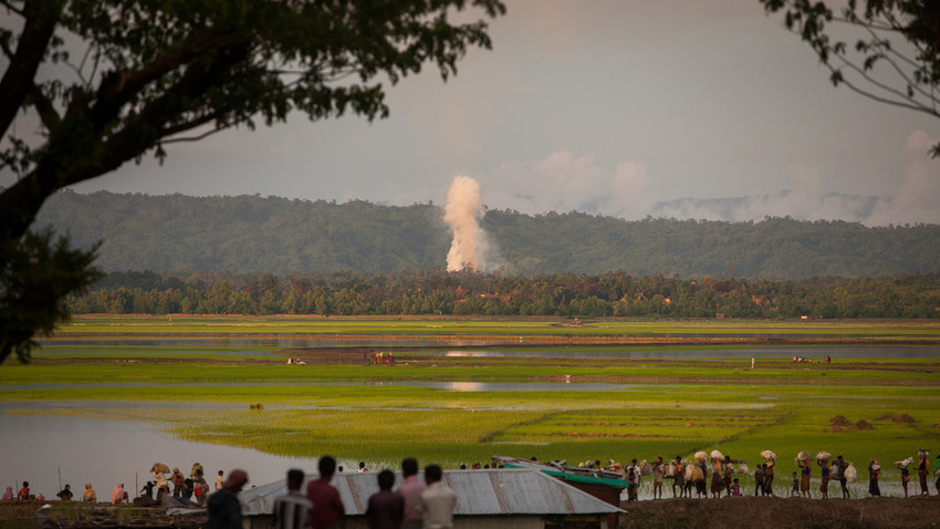 Kondisi warga Rohingya yang mengalami banyak penindasan mengundang unjuk rasa di berbagai belahan dunia.