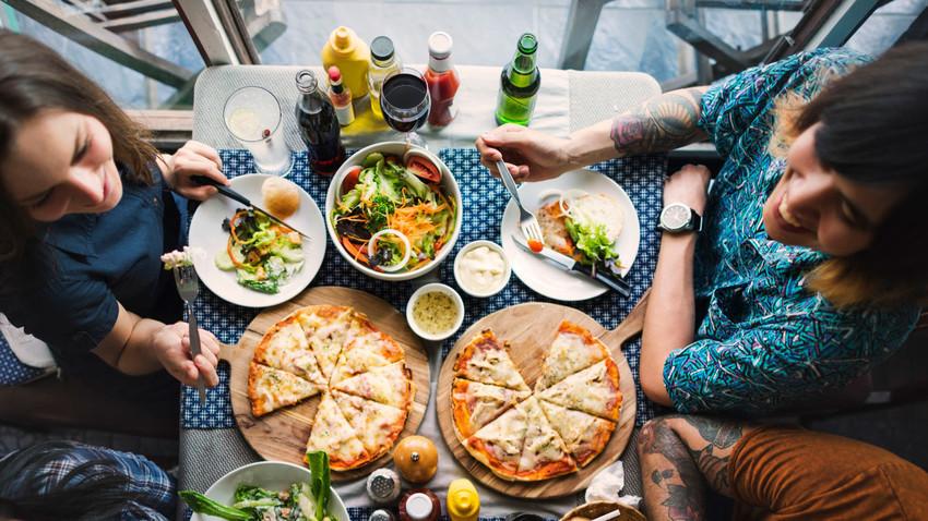 Restaurantes com culinária estrangeira ou natural ganham espaço na capital