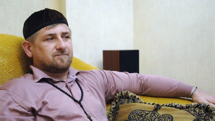 Presiden Chechnya Ramzan Kadyrov mengimbau umat Islam di Rusia untuk berikan kontribusi nyata bagi muslim Rohingnya yang tertindas.