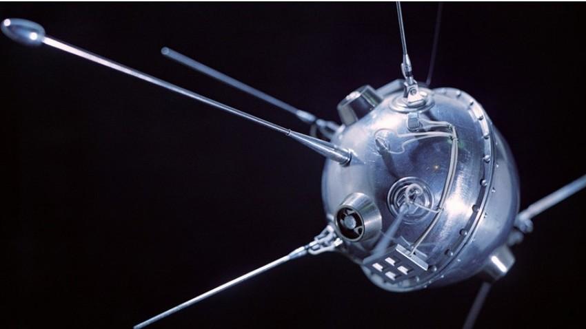 Maketa sonde Luna 2.