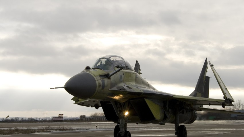 Pesawat jet tempur MiG-29 KUB.