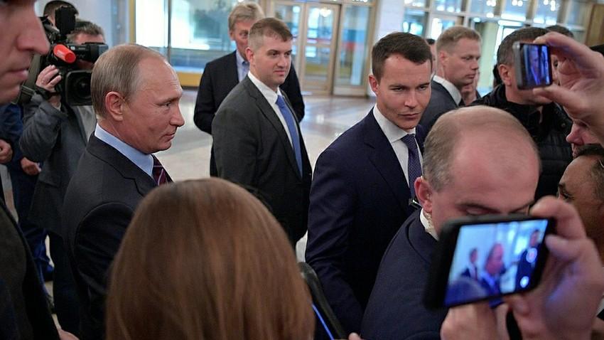 """""""Ya, kami siap,"""" jawab Putin saat ditanya tentang kesiapan Putin untuk membantu Kuba."""