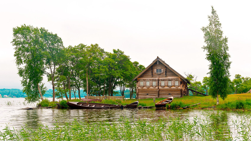 Auf der Museumsinsel Kischi. Seit 1990 gehört der Ort zum Unesco-Weltkulturerbe