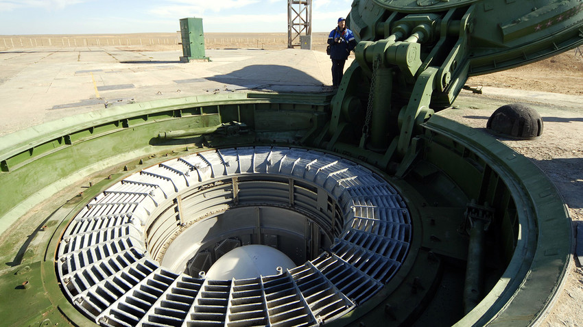 "Intercontinental ballistic missile RS-18 ""Stilet"" at Baikonur cosmodrome before a test launch."