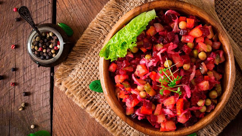 Vinagrete russo não tem nada a ver com o brasileiro, mas também é uma delícia como acompanhamento