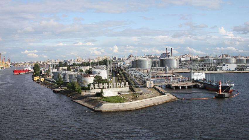 Luka u Sankt-Peterburgu ( Boljšoj port )