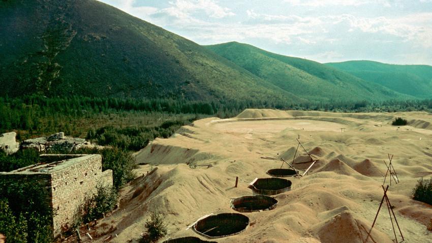 コルィマ地域のブトゥギチャグ収容所のウラン鉱山