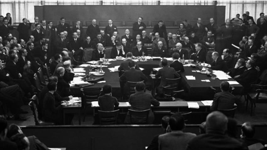 Društvo narodov v Ženevi.