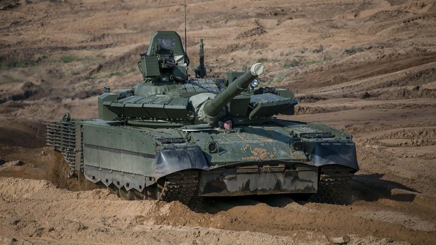 Тенк Т-80.