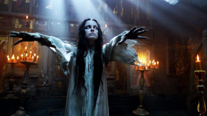 Prizor iz filma Vij iz leta 2014, ki temelji na istoimenski Gogoljevi pripovedi.