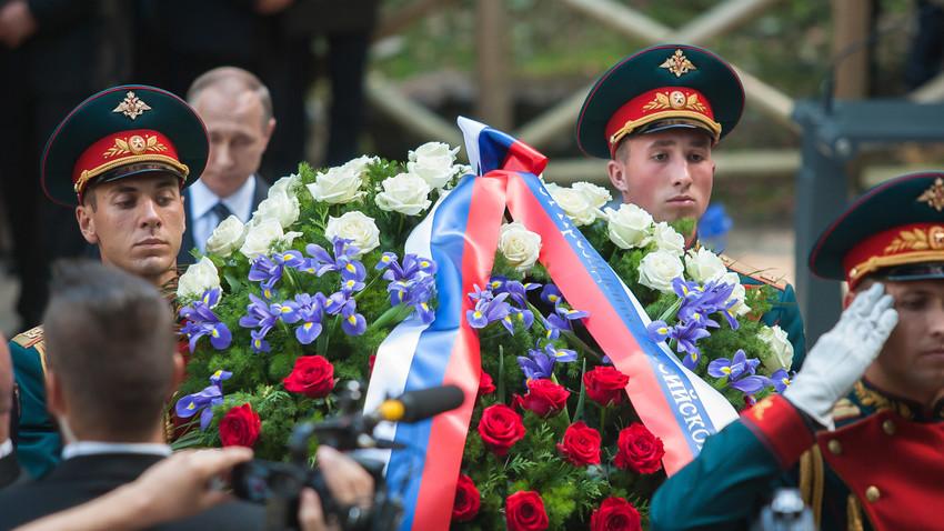 Ruski vojaki na Vršiču ob 100. obletnici Ruske kapelice, 30. julij 2016.