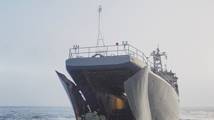 Iskrcavanje vojnika na obalu