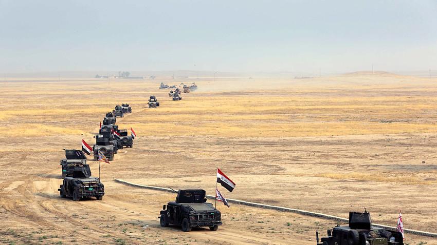 Rombongan pasukan Irak yang bersiap menyerang kelompok teroris ISIS di Irak.