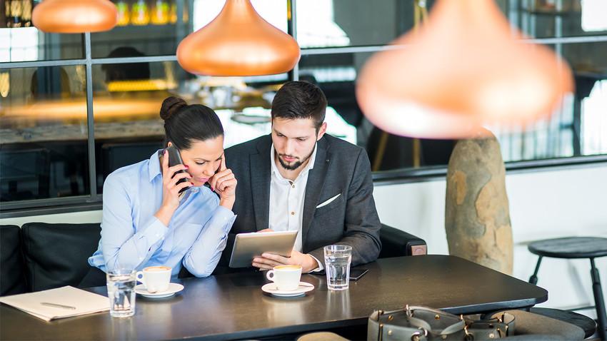 Existem muitas empresas especializadas que oferecem ajuda no processo de registro de uma empresa.