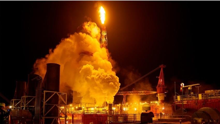 Naftna ploščad Prirazlomnaja podjetja Gazprom Neft na ruski arktični polici.
