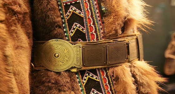 Nenci, Evenke, Dolgani, Nganasani in Enci se oblačijo v svoje najlepše noše in organizirajo dirke s severnimi jeleni.