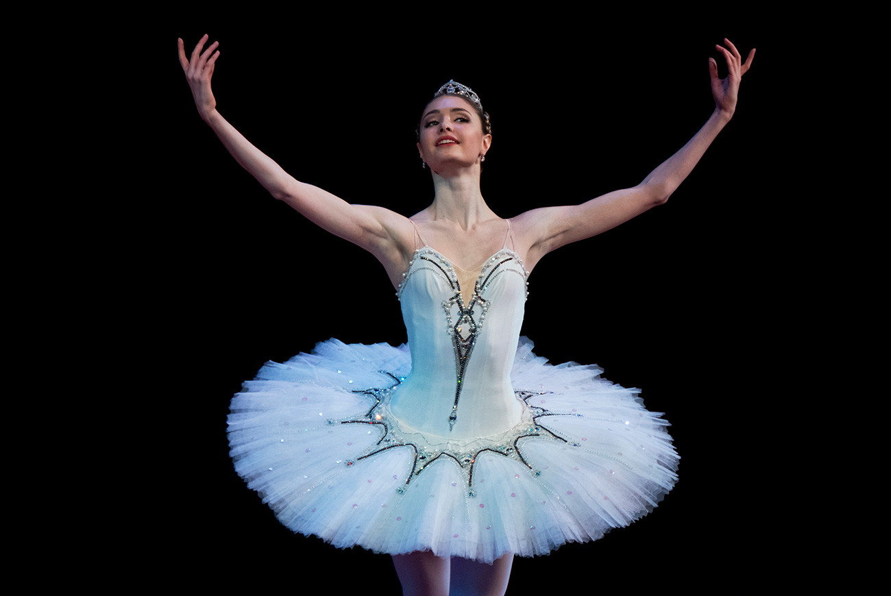 Alyona Kovaleva performs a pas de deux from the Raymonda ballet at the