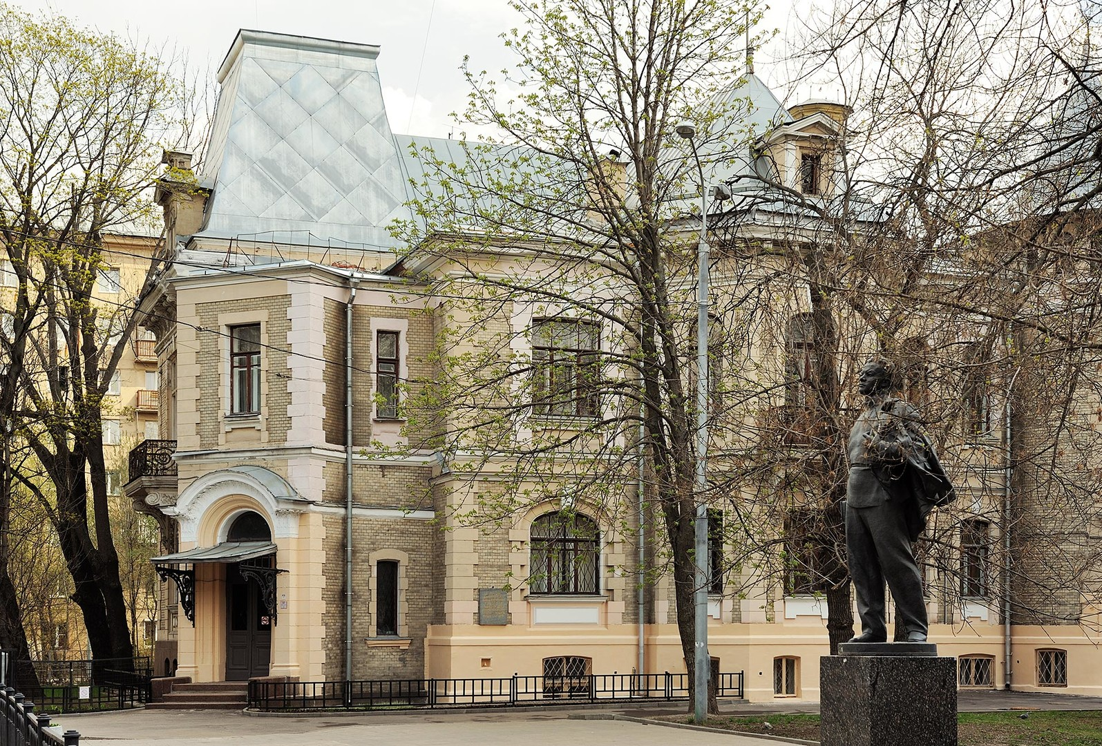 The former house of tea merchant David Vysotsky in Moscow.