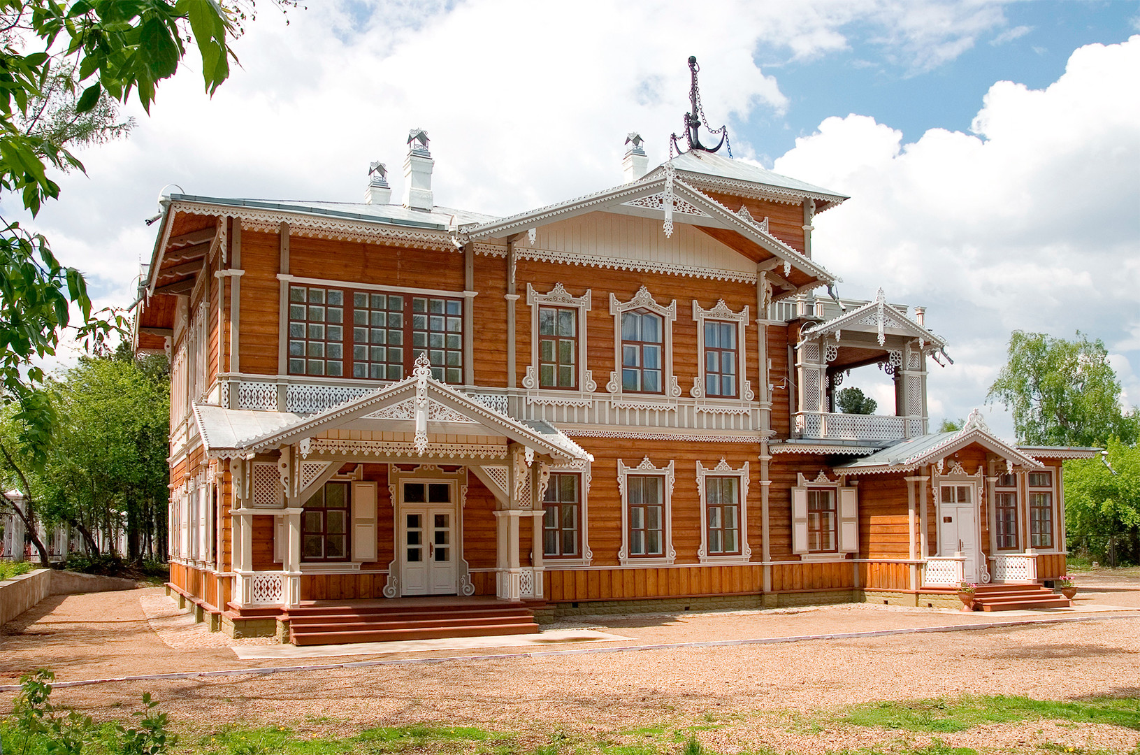 City mansion of Vladimir Sukhachev.