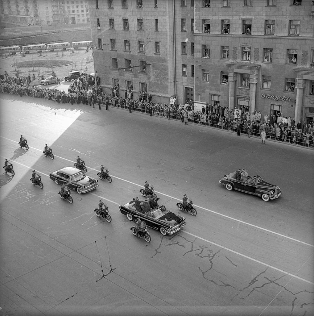 Moscovitas recebem Fidel Castro em 27 abril de 1963.