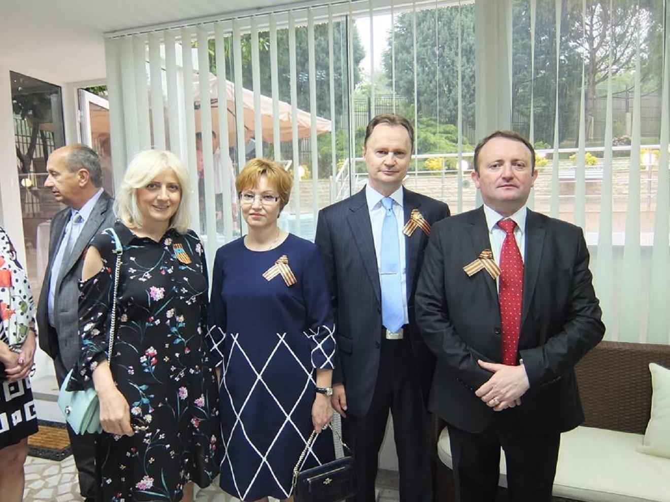 Горан Киковић  (десно), на овогодишњој прослави 9.маја у Амбасади Русије у Подгорици.