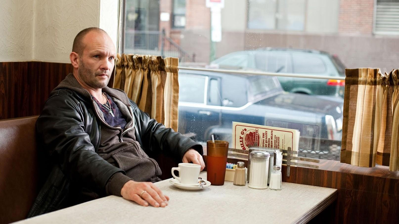 Gangster Gennadij, Odklenjen (Limitless, 2011).