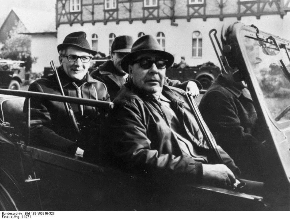 Im selben Jahr, aber auf der anderen Seite der Mauer: Breschnew und Honecker unternehmen 1971 einen Jagdausflug