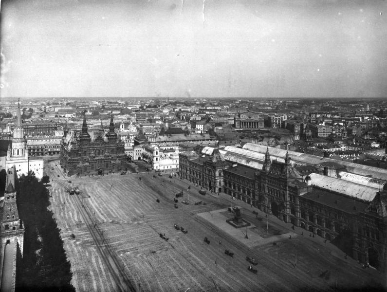 Изглед към Червения площад от камбанария на Спаската кула, 1910-те.