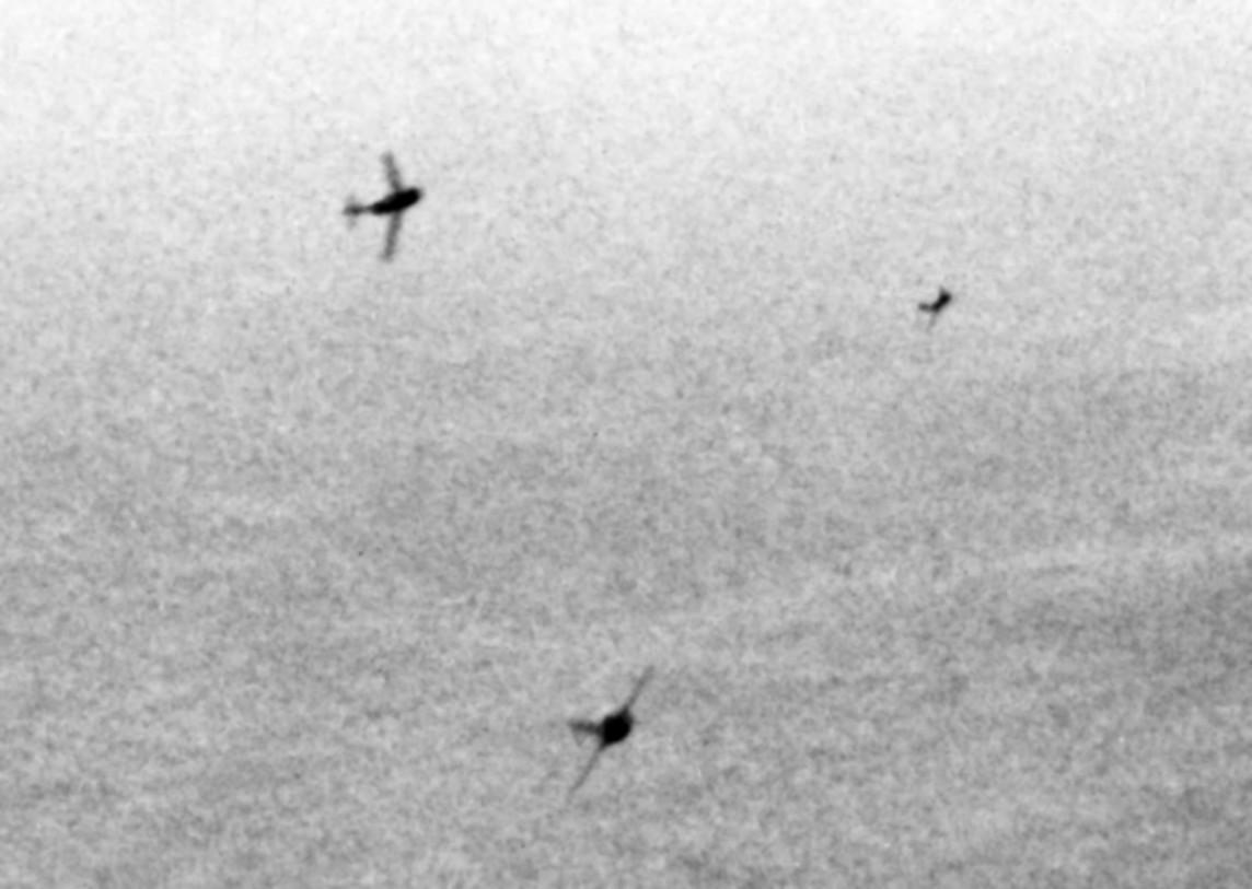 MiG-15 virando para atacar un B-29 en el año 1951.