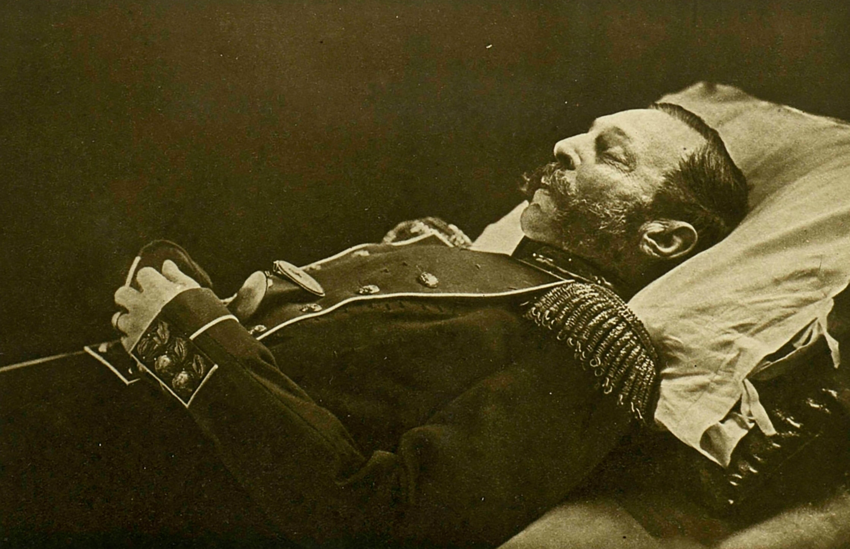 Aleksander II. na smrtni postelji.