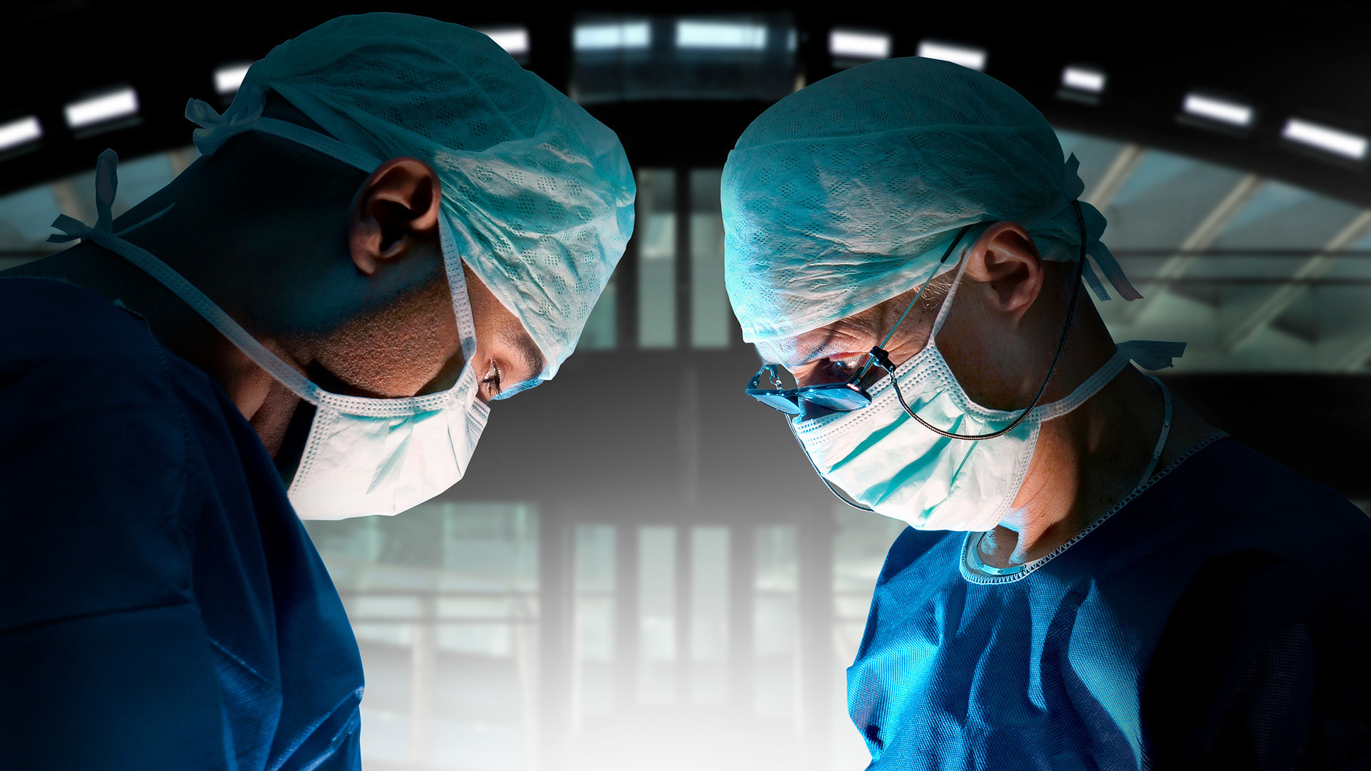 Anda bisa mendapatkan pengobatan darurat dari klinik pemerintah atau swasta.