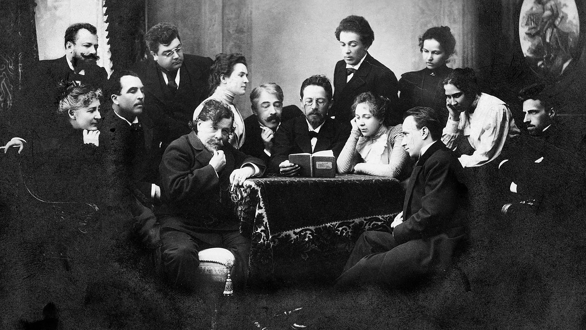 Der Autor und sein Werk: Tschechow liest eim Moskauer Kunsttheater Auszüge aus