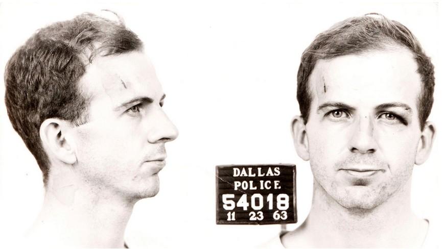 Policijska kartoteka Leeja Harveyja Oswalda.