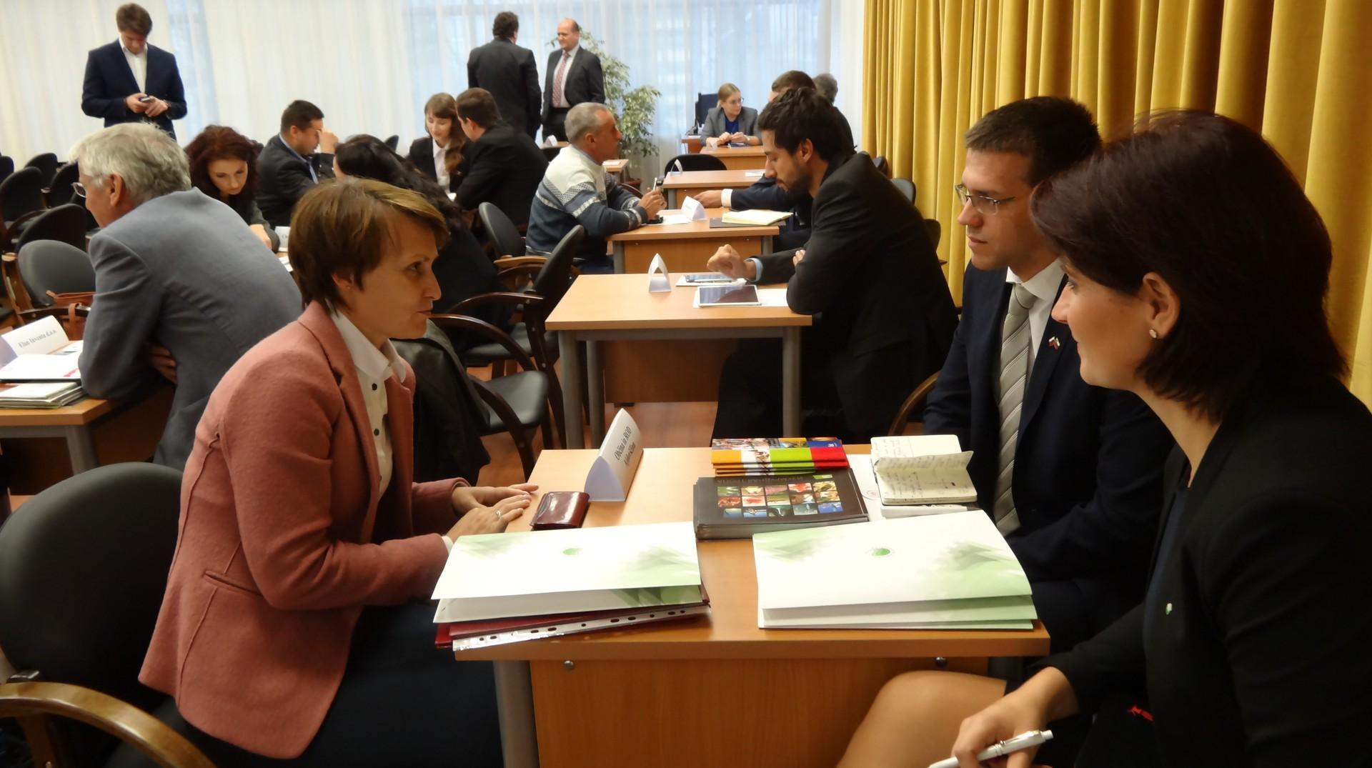 B2B pogovori med ruskimi in slovenskimi podjetji v Vologdi.