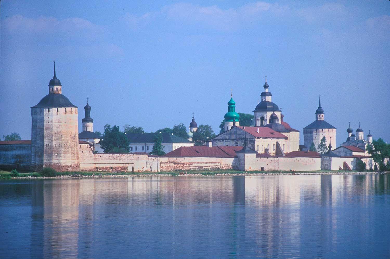 Кирило-Белозерски манастир. Сиверско језеро са југозападне стране манастира. 15. јул 1999. године.