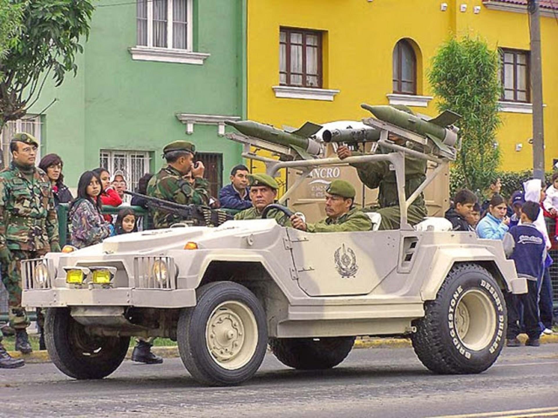 Vehículo 'Asanave' de fabricación peruana portando misiles rusos 9M14 Maliutka.