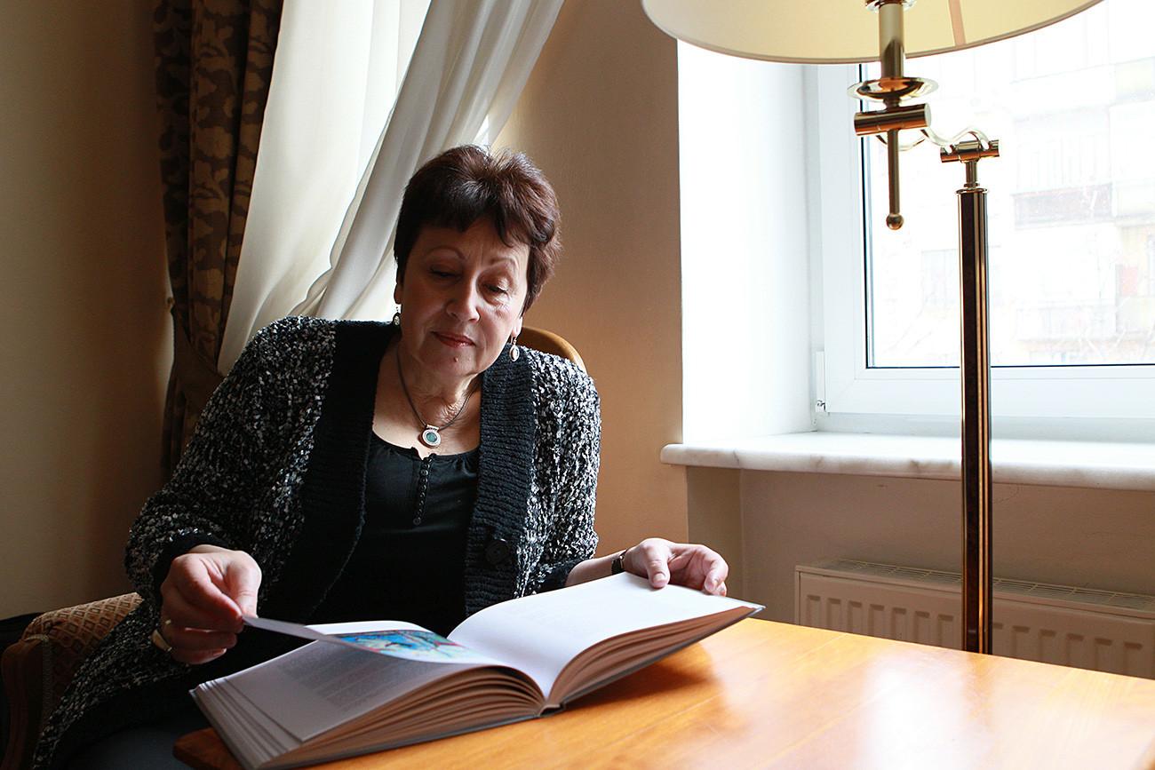 Rúbina hoje vive em Israel, mas está frequentemente apresentando seus livros e proferindo palestras na Rússia.