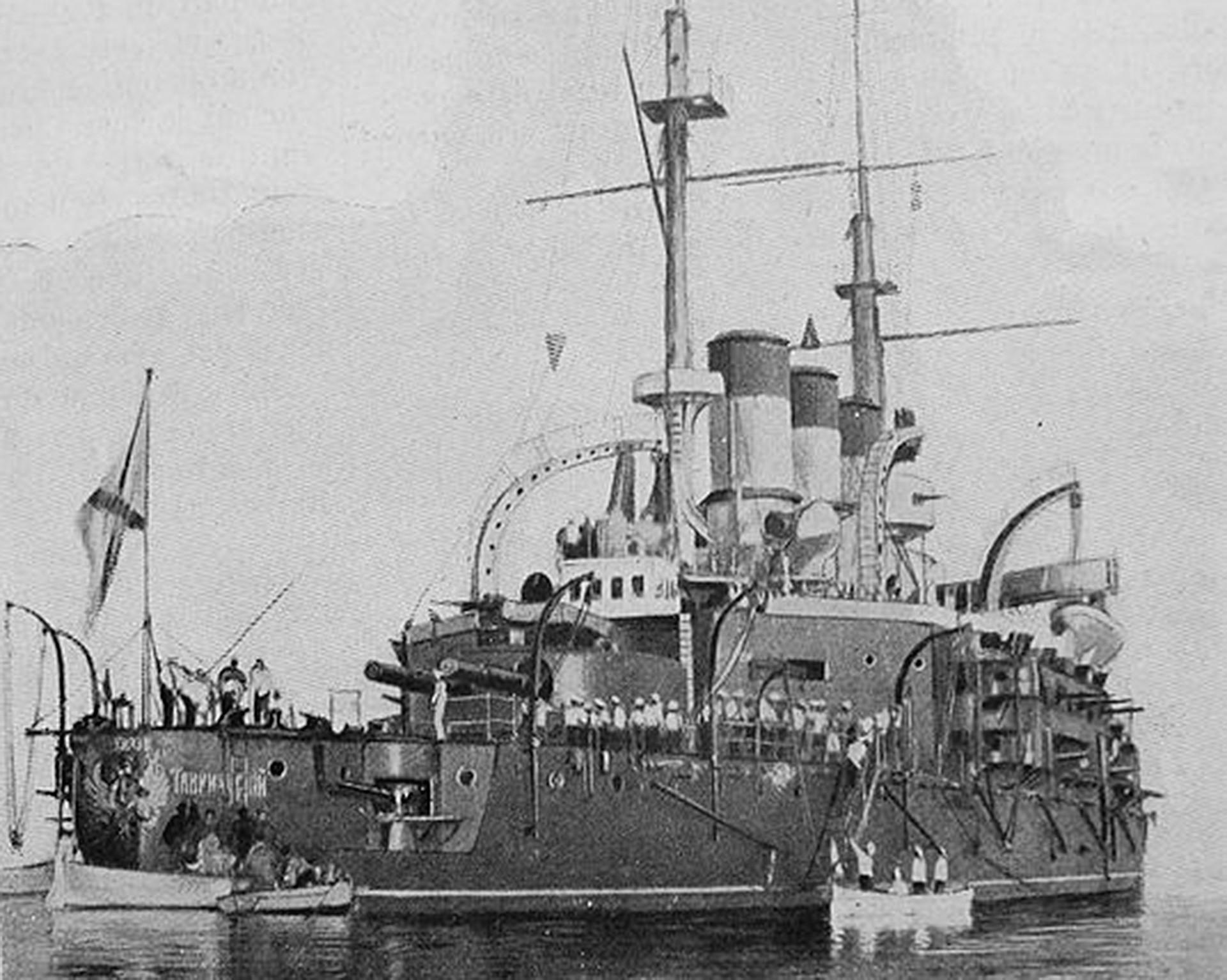 El acorazado Potemkin en el puerto de Constanza en julio de 1905.