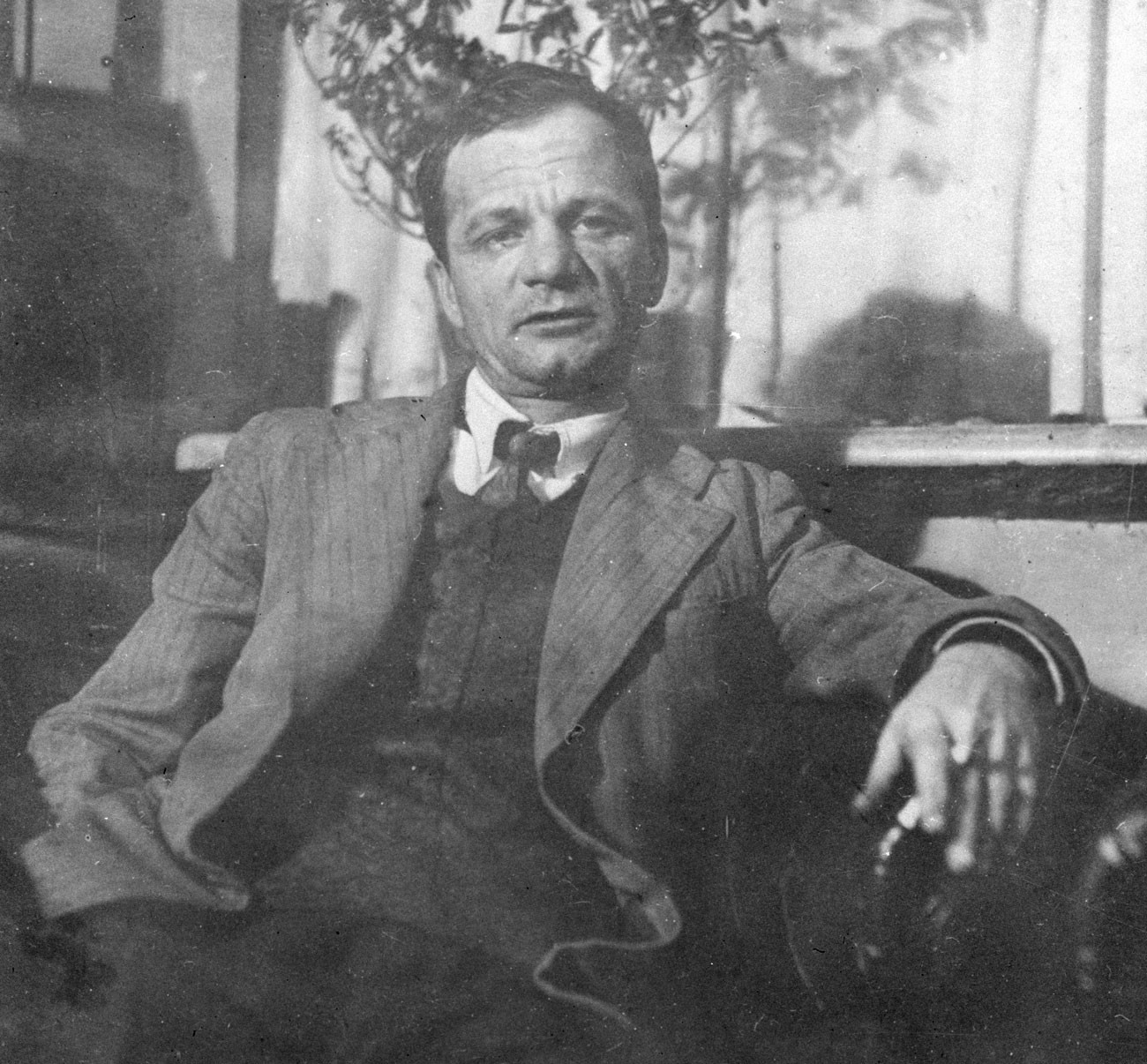 Platônov morreu de tuberculose, que contraiu de seu filho, que retornava de um campo prisional.