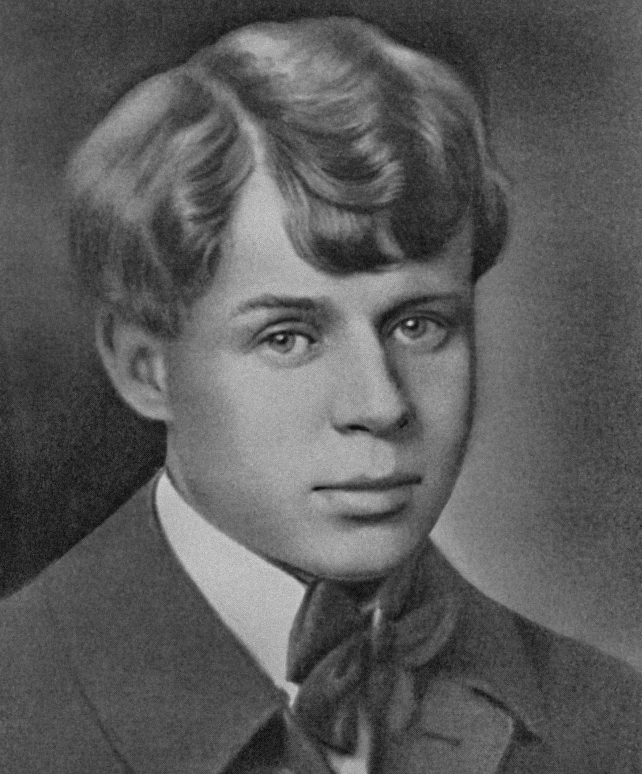 Iessênin também ganhou notoriedade como encrenqueiro, e seus duelos literários mais conhecidos foram com Maiakóvski.