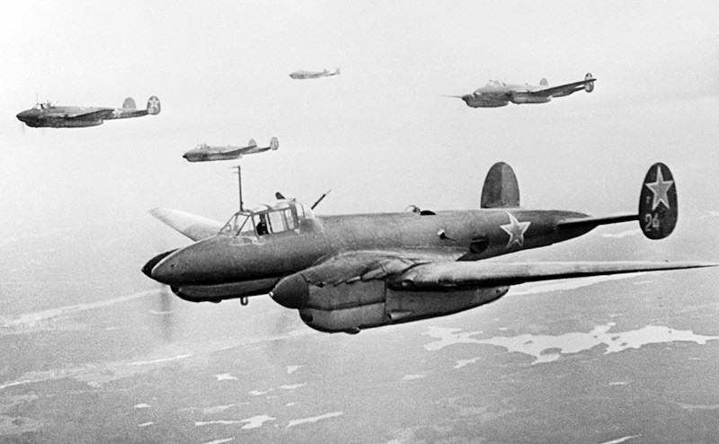 Съветският бомбардировач Пе-2