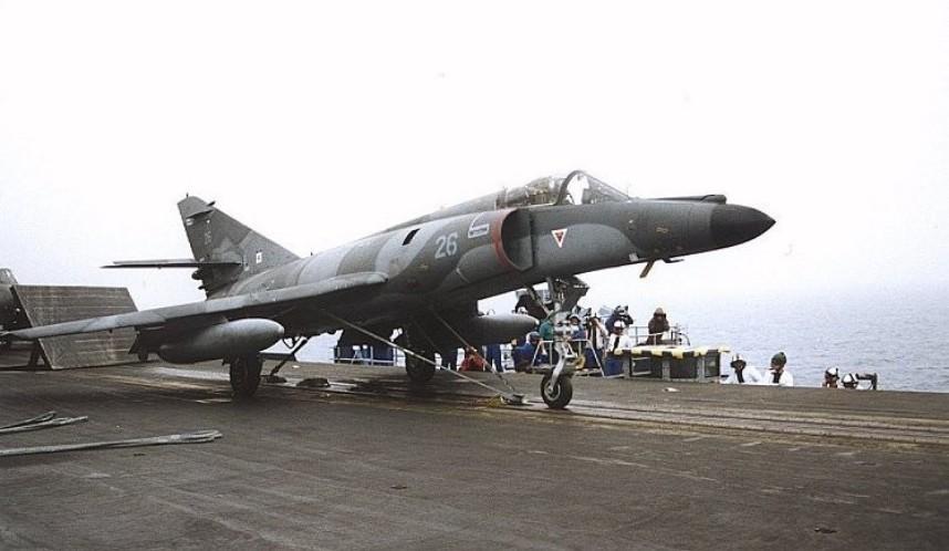 Super Etendard, model, ki ga je uporabljalo argentinsko letalstvo v falklandski vojni.