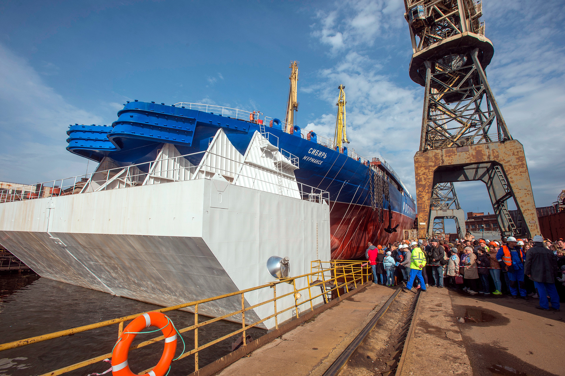 Slovesnost ob splovitvi prvega serijskega univerzalnega jedrskega ledolomilca LK-60JA Sibirija v Baltski ladjedelnici v Sankt Peterburgu. 22.9.2017.