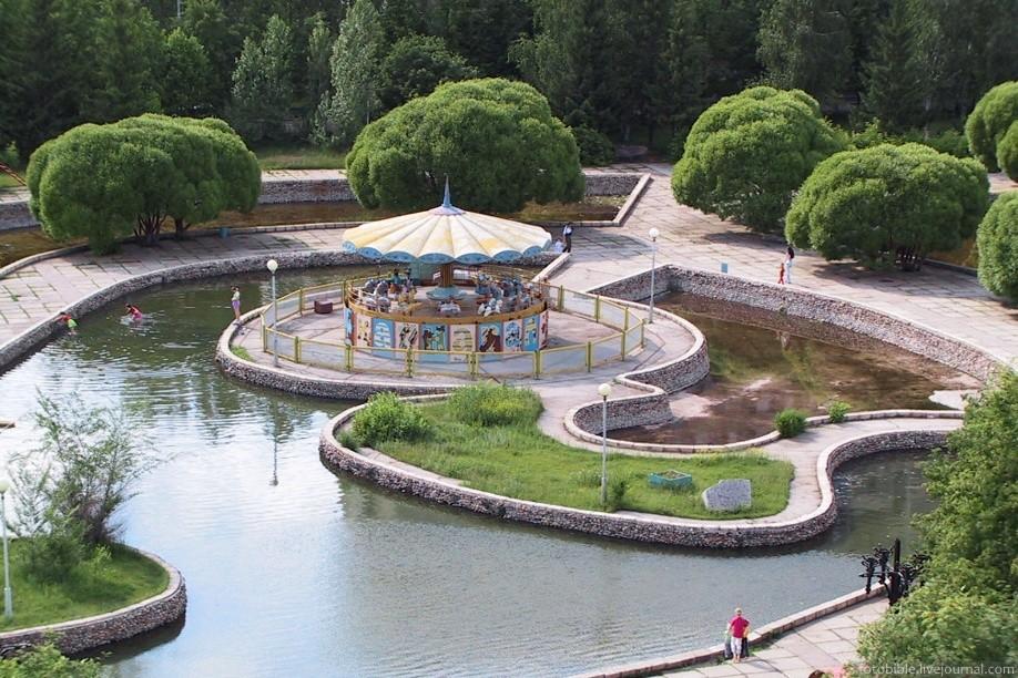 Otroški park v Avtozavodskem okrožju.