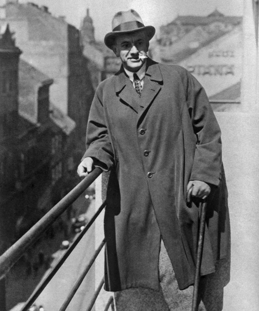 Soviet poet Mayakovsky in Prague, 1927
